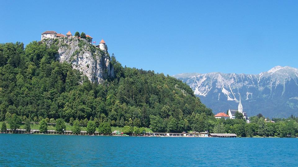 Jutranji sprehod ob Blejskem jezeru
