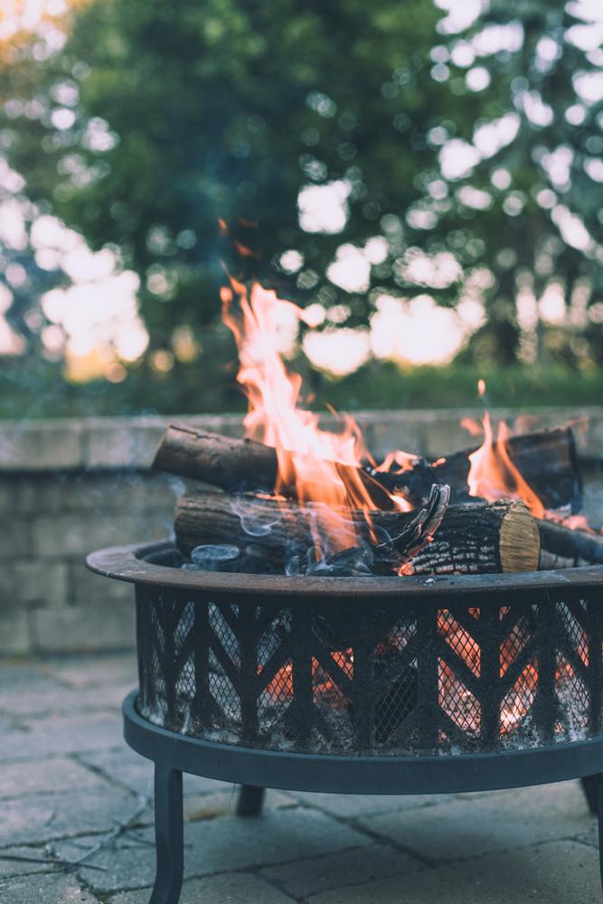 Večerni program s tabornim ognjem in glasbo