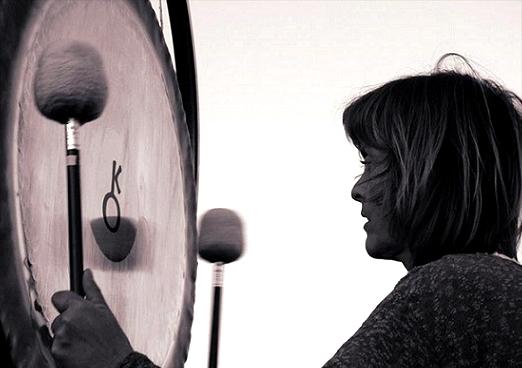 Zvočna gong kopel pod zvezdami – Praznovanje ljubezni